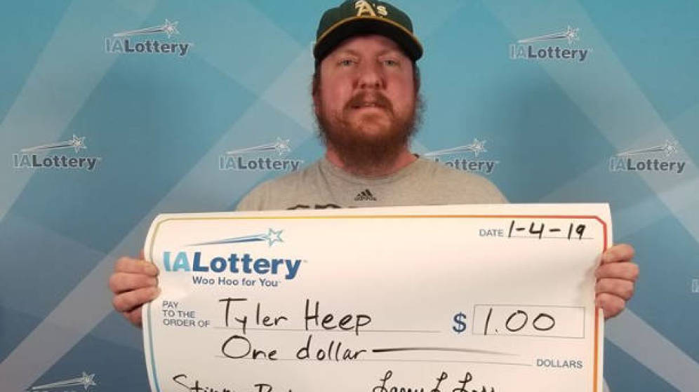 Ganó 1 dólar en la lotería