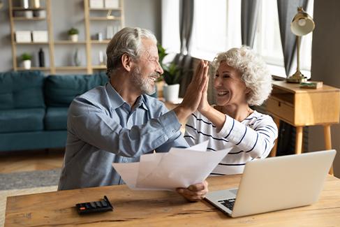 pareja decide compartir su premio de lotería